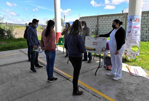 Realizan campaña de salud en Tlaxco; buscan prevenir enfermedades