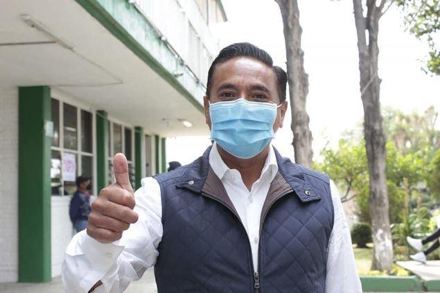 Viva la democracia y viva Tlaxcala, dice Corichi al ejercer su voto