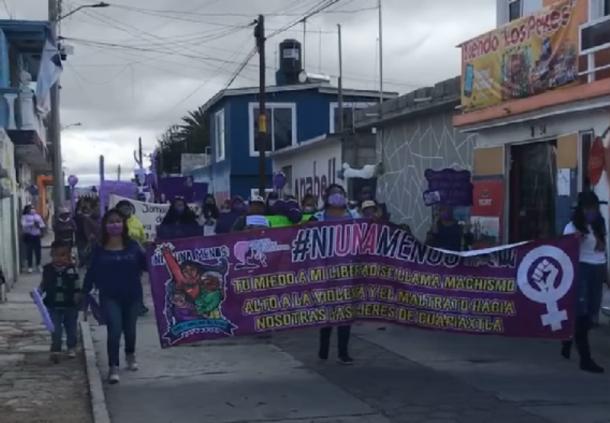 Con marcha piden cadena perpetua a feminicidas de Cuapiaxtla