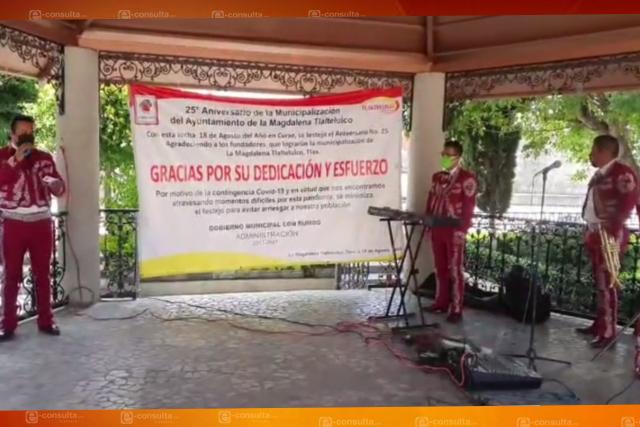 El Picapiedra tira el dinero contratando mariachis; la peor administración