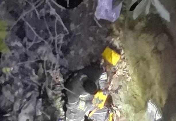 Par de mujeres caen a una barranca en el municipio de Acuamanala