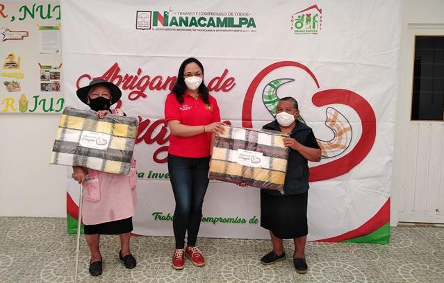 """SMDIF Nanacamilpa concluye campaña invernal """"Abrigando de Corazón 2020"""""""
