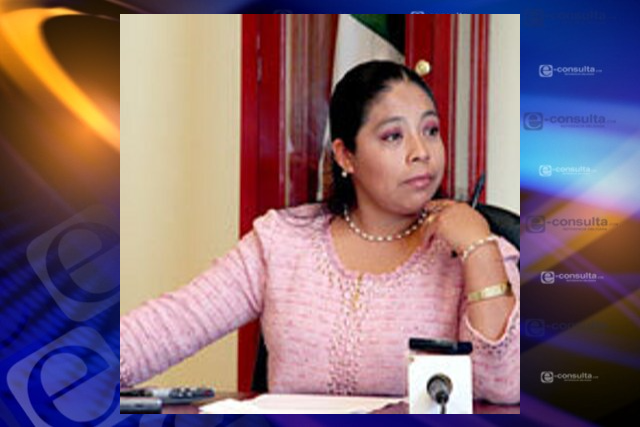 Funcionaria cercana al gobernador Mena opera desde su casa para el PRI