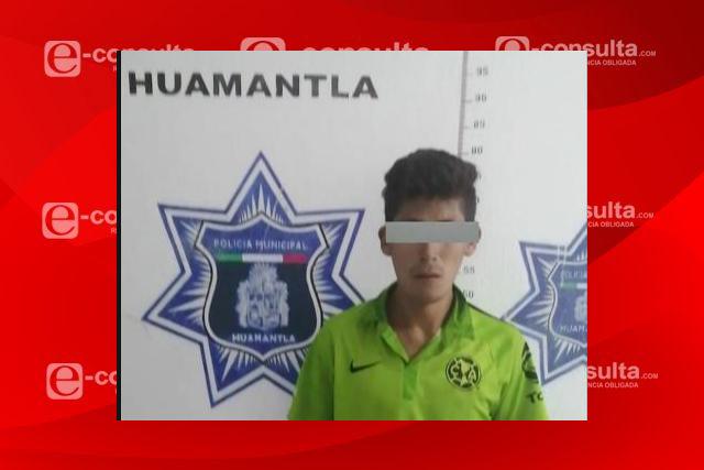 Policías de Huamantla aseguran en flagrancia a masculino por robo a escuela
