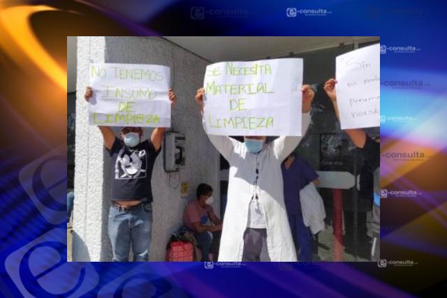 Revienta manifestación en el hospital regional de Tzompantepec