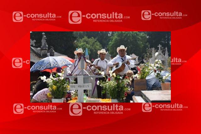 Evitar convivencias durante el Día de Muertos, pide iglesia católica