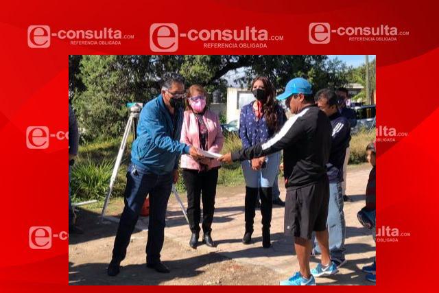 Herrera Xicohténcatl lleva obra de pavimentación a la Trinidad