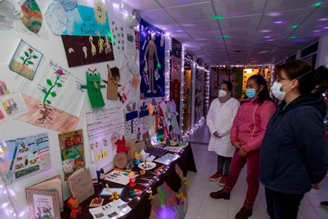 Reconoce Sandra Chávez trabajo del personal del Centro de Asistencia Social