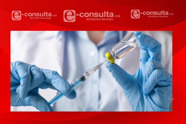 Personal médico sufre reacciones secundarias por vacuna contra el Covid