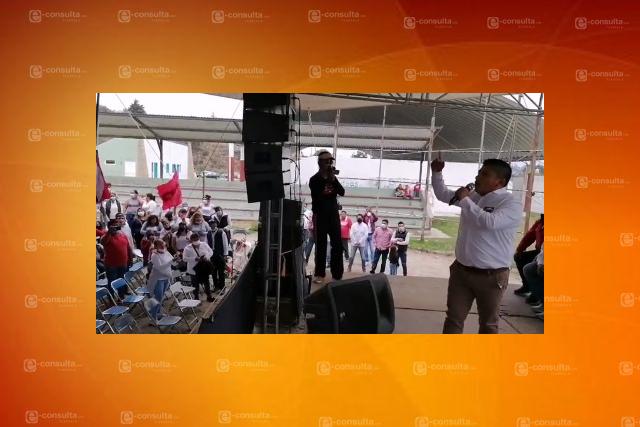 José Luis Hernández hace el ridículo; cierra campaña sin público en Xaltocan