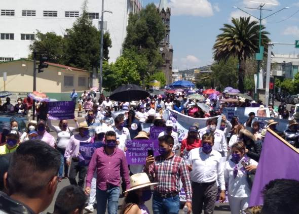 Reúne Ricardo Morales a cientos de apizaquense en la Marcha por la Victoria