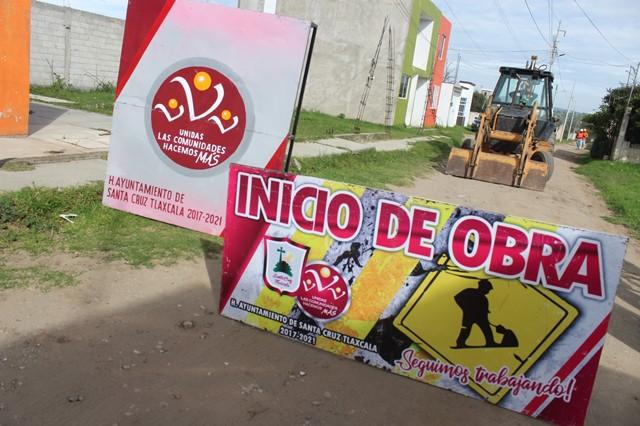 Pavimentan con adocreto calle 16 de Septiembre de Santa Cruz Tlaxcala