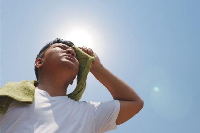 Dan recomendaciones para evitar el golpe de calor en estas fechas