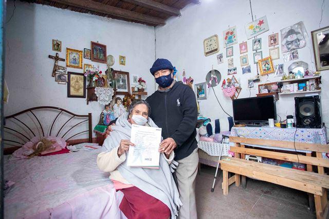 """Inicia programa """"Supérate"""" entrega de seguros de vida"""
