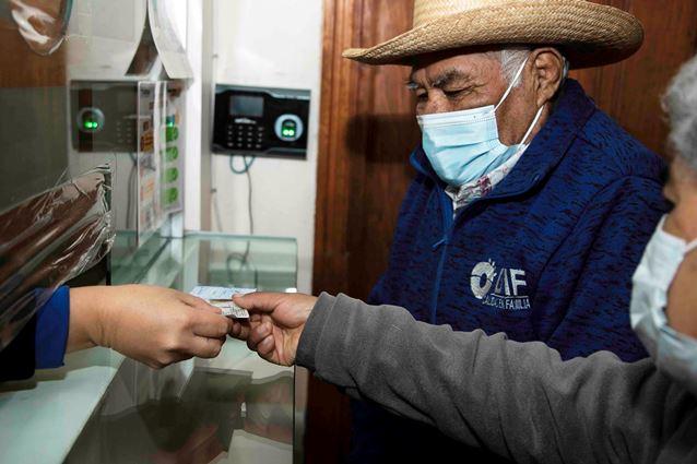 Entrega Supérate seguros de vida a familias en extrema pobreza