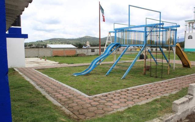 Mejoran imagen urbana de Tetla con programa de empleo temporal