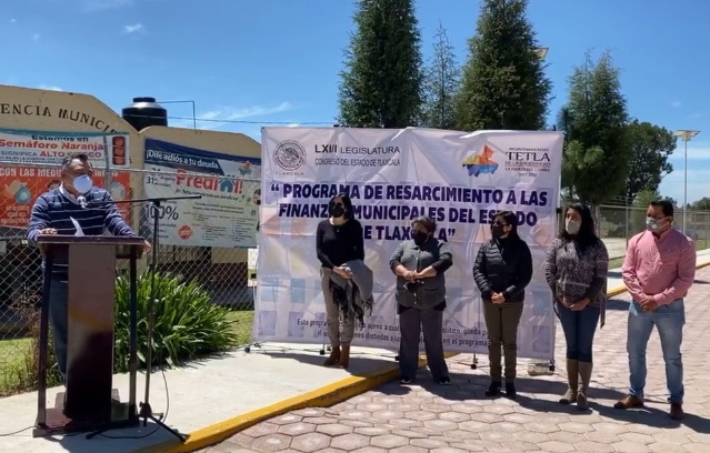 Eleazar Molina entrega obras en tres comunidades por un monto 3 mdp