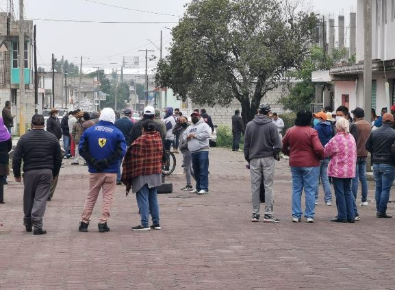Impiden pobladores de Tlaltelulco instalación de la casilla 150