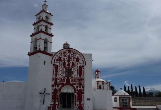 """Habitantes de Tzompantepec ratifican su fe al """"Divino Salvador"""""""