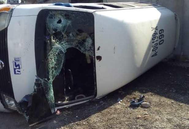 Volcadura deja al menos seis heridos sobre la carretera Vía Corta