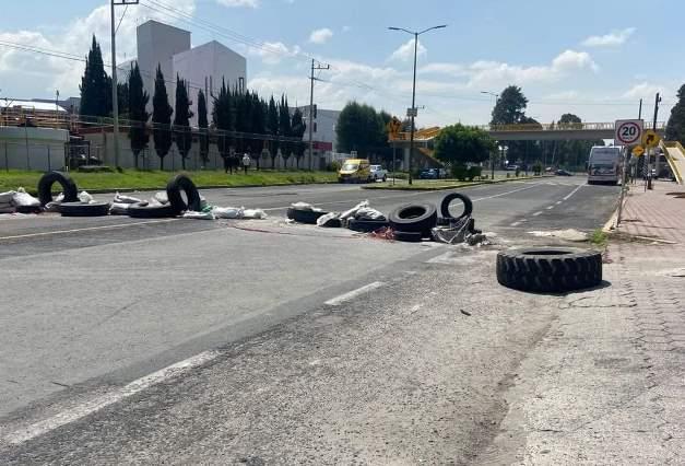 Políticos perdedores de Xicohtzinco no desbloquearán carretera federal