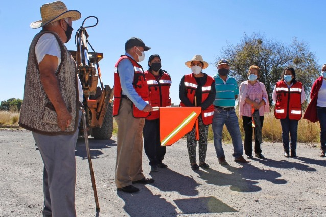Arranca pavimentación en calle 5 de Mayo del barrio de Quiahuixtla Norte
