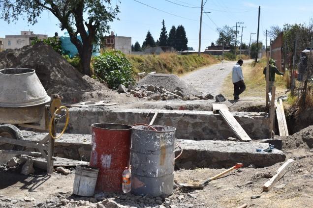 Avanzan los trabajos del puente vehicular en Zacatelco