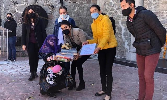 Reconocen en Zacatelco a participantes en actividades del 2 noviembre