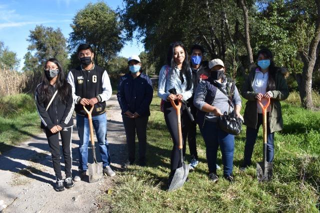Realizan la Primera reforestación endémica en Zacatelco