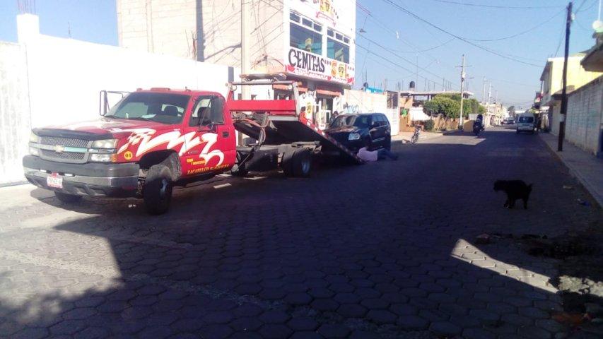 Aseguran una bodega y un vehículo con reporte de robo en Zacatelco
