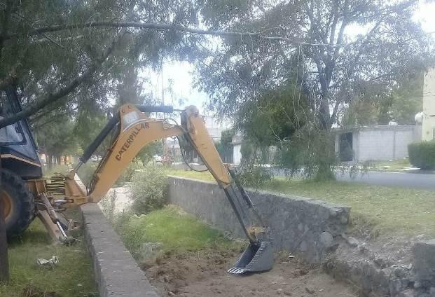 Se realiza segunda etapa de desazolve sobre bulevar Yancuitlalpan