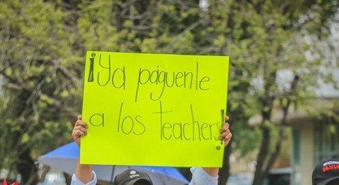 SEPE recontrata maestros pero no les paga, según PRONI