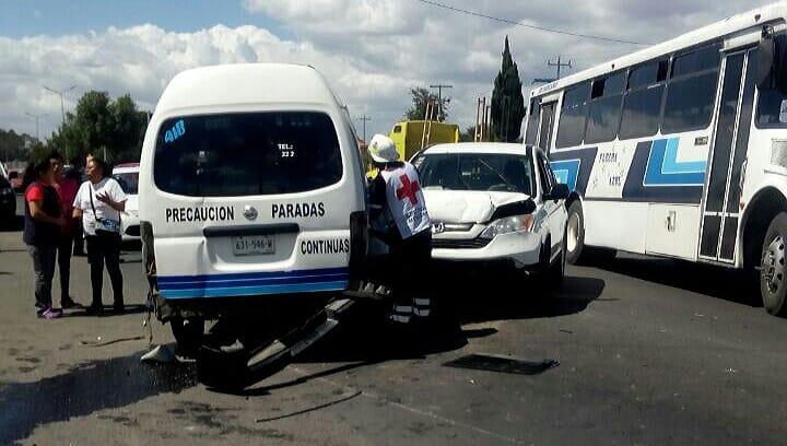 Nuevamente Flecha Azul se involucra en un accidente con 5 heridos