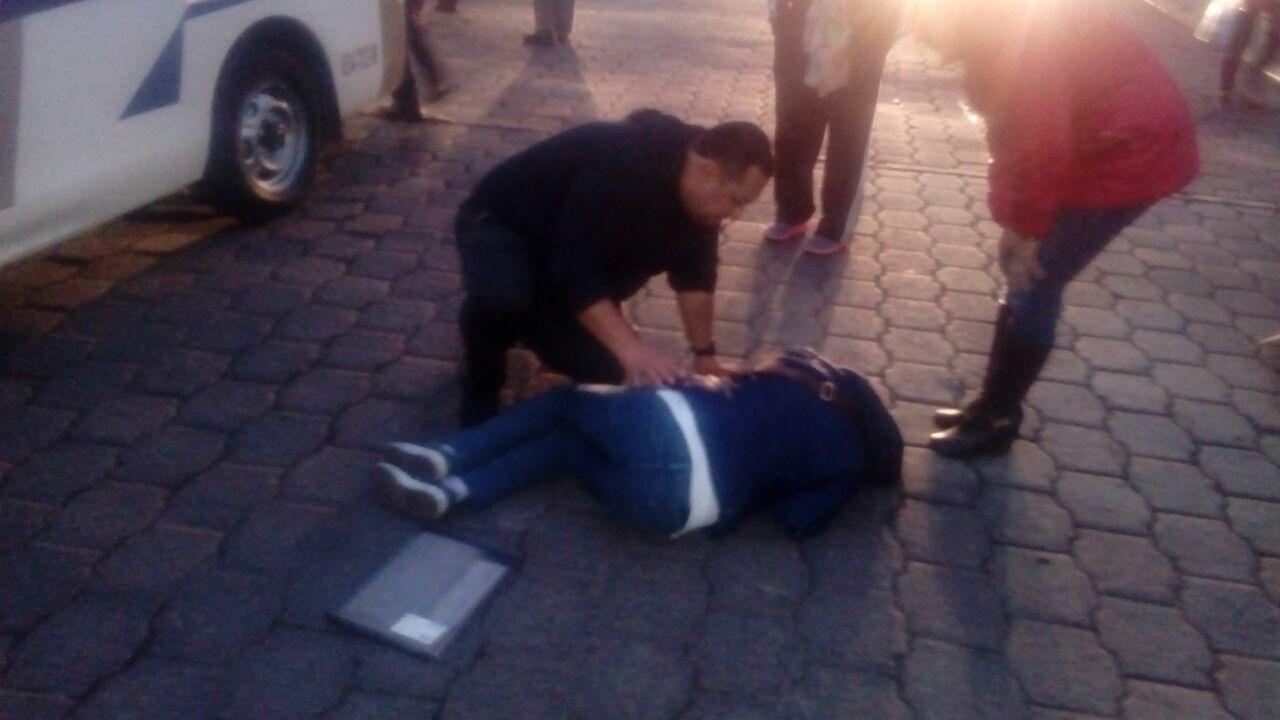 Atropella USU a una mujer en la 20 de Noviembre