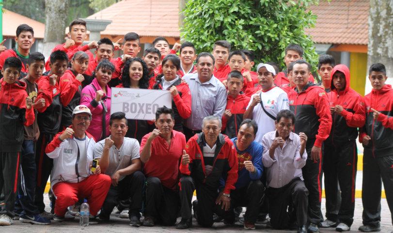 Abanderan a delegación de Tlaxcala que asiste a la Olimpiada y Paralimpiada Nacional 2015