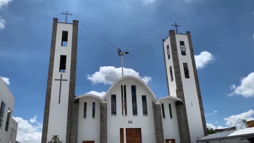 Con la basílica cerrada inician festejos de la Virgen de la Caridad en Huamantla