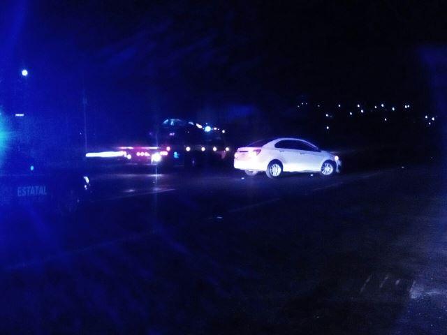 Cuantiosos daños materiales provoca choque entre dos automóviles