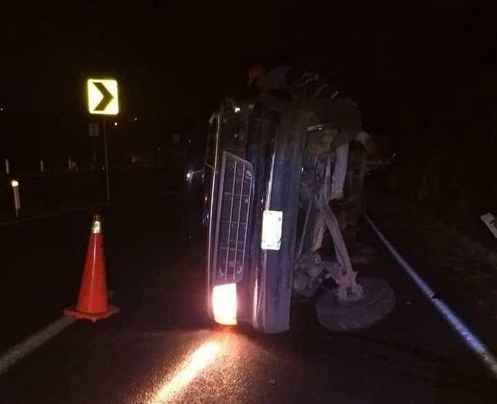 Camioneta sufre percance sobre la carretera Tlaxcala- Apizaco