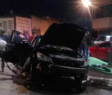 Chocan tres automóviles en Apizaco; sólo daños materiales