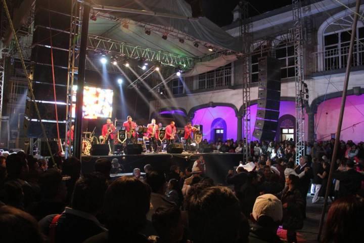 Esta noche Zacatelco Bailara al ritmo de Acerina y su Danzonera