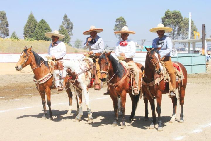 Inició por la amistad charra 3ª edición en Apizaco; Isidro Candia toma delantera en 1ª fase