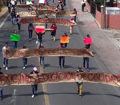 Tras marcha atiende SEPE a estudiantes y logran acuerdo