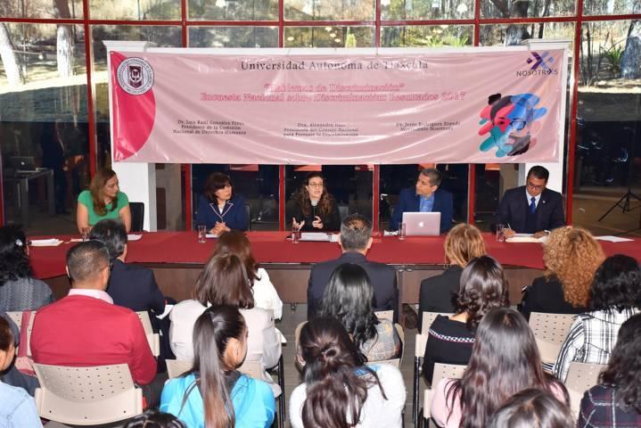 Abordaron en la UATx el tema de la discriminación y sus implicaciones