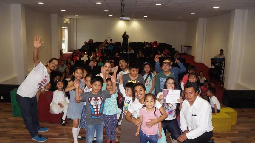 Presentan obra de teatro De niños, Peces y otros Monstruos Lunaticos en San Pablo del Monte