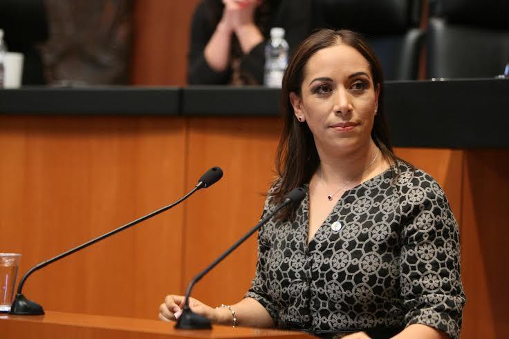 La senadora Adriana Dávila, panista de doble discurso