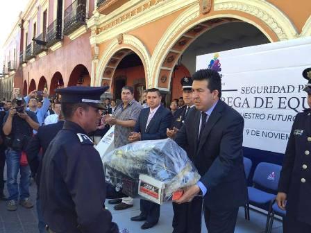 Indicadores confirman que dejamos una mejor ciudad: Escobar