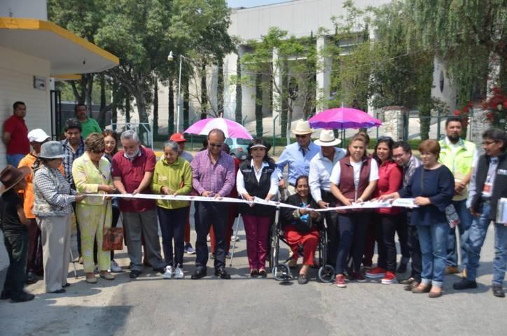 Entrega alcaldesa capitalina obras en Chimalpa y en una colonia