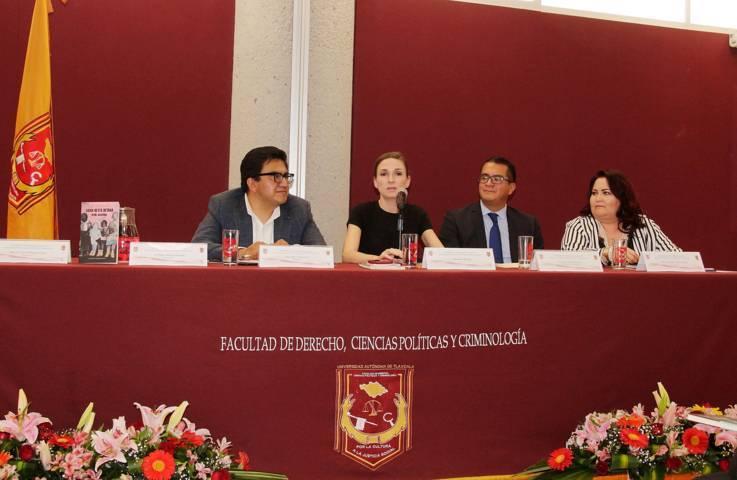 """Presentaron en la UATx el libro """"Arde Josefina"""""""