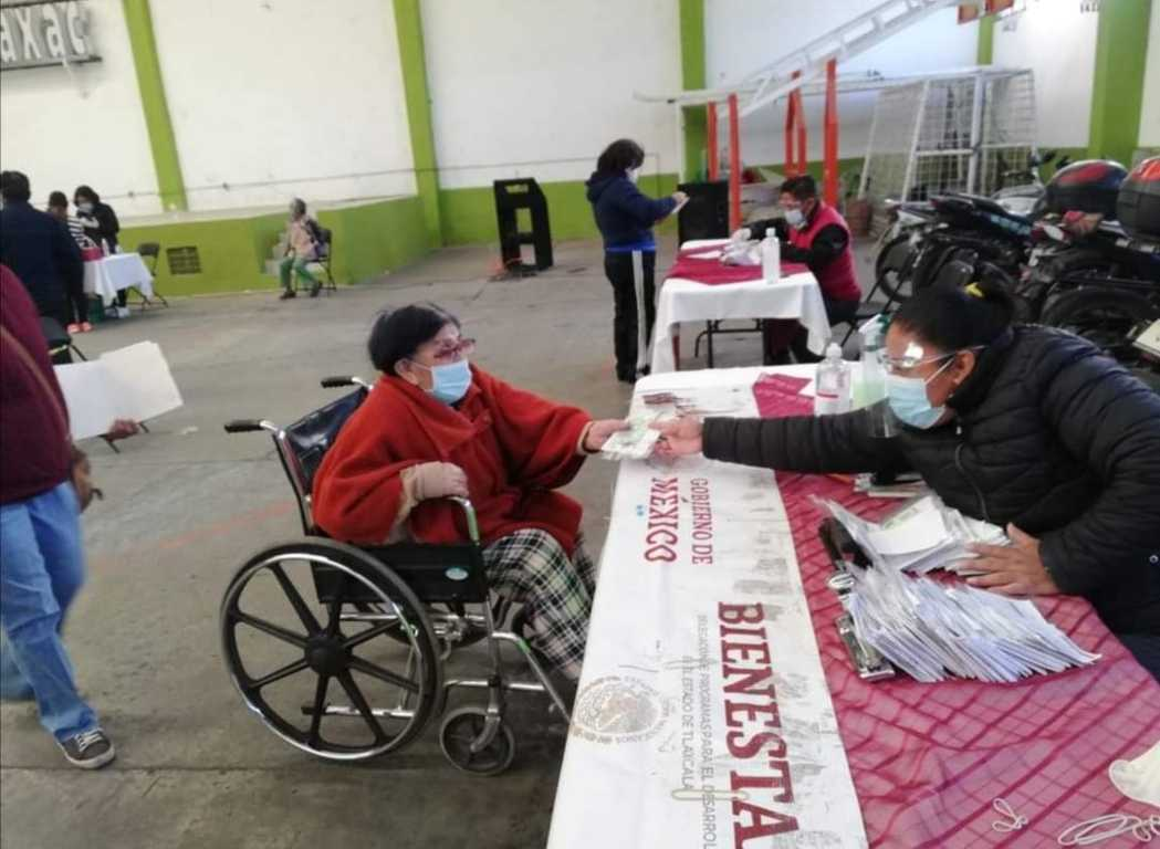 Incrementa pensión de adultos mayores a 3 mil 100 pesos