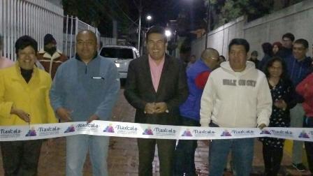 Inaugura Escobar Jardínez obra en San Esteban Tizatlán